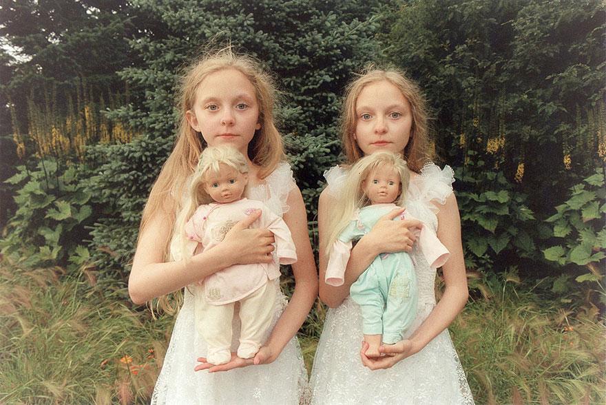 identical-twins-erna-hrefna-photography-iceland-ariko-inaoka-1