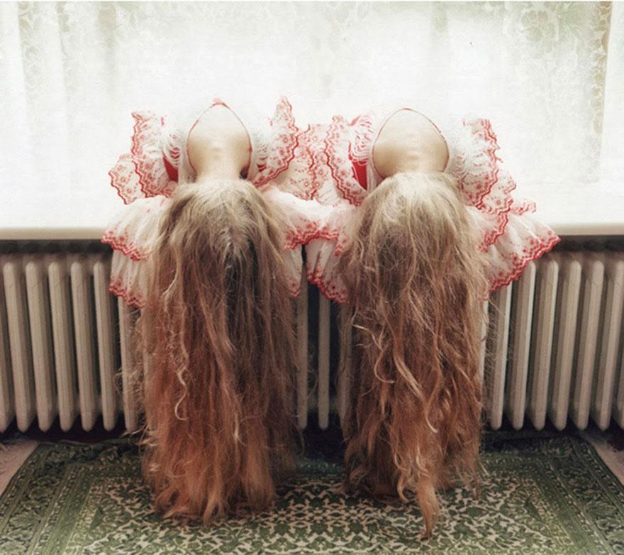 identical-twins-erna-hrefna-photography-iceland-ariko-inaoka-13