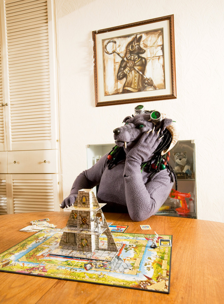 at-home-with-the-furries-by-tom-broadbent-6