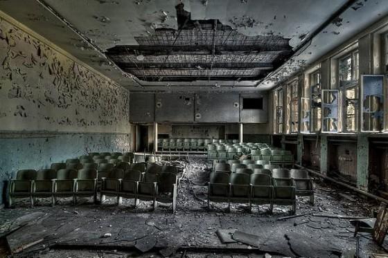 abandoned-cinema